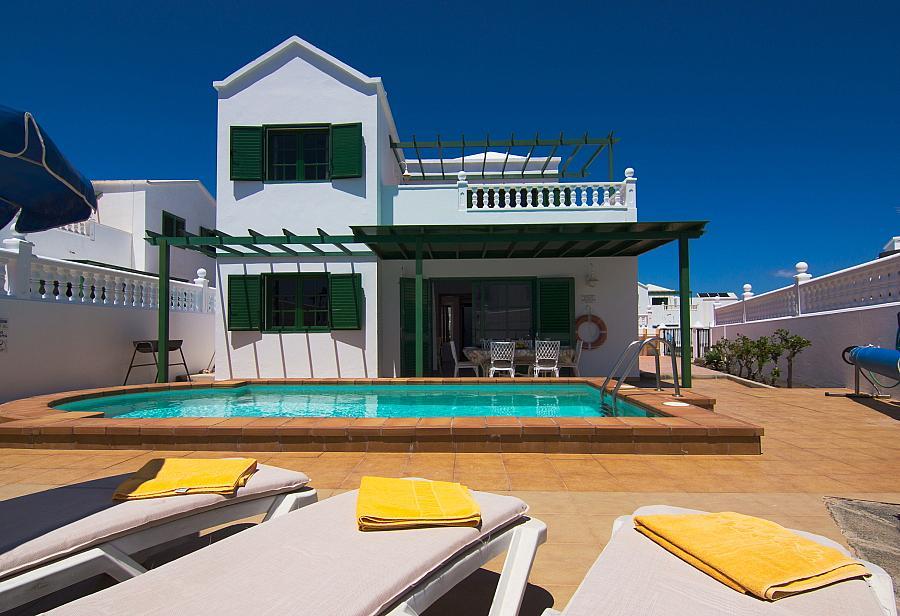 Villa Alegranza In Puerto Del Carmen Lanzarote