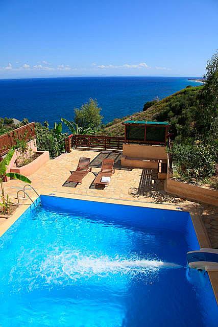 Villa Saranta Zakynthos Villa Saranta To Rent In Vasilikos Zante Sleeps Up To 6 Shared Pool