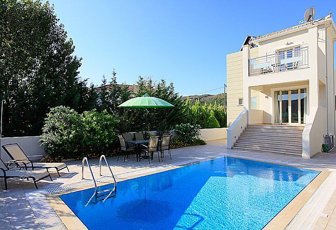 Review for Villa Semeli
