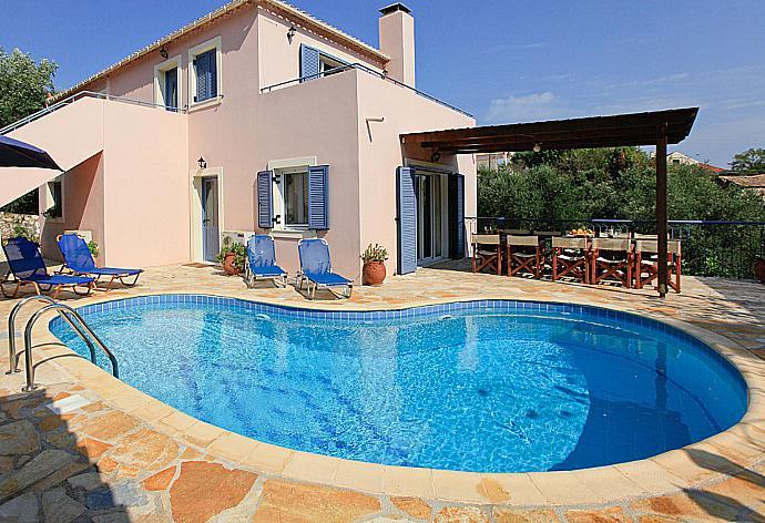 Review for Villa Mirella