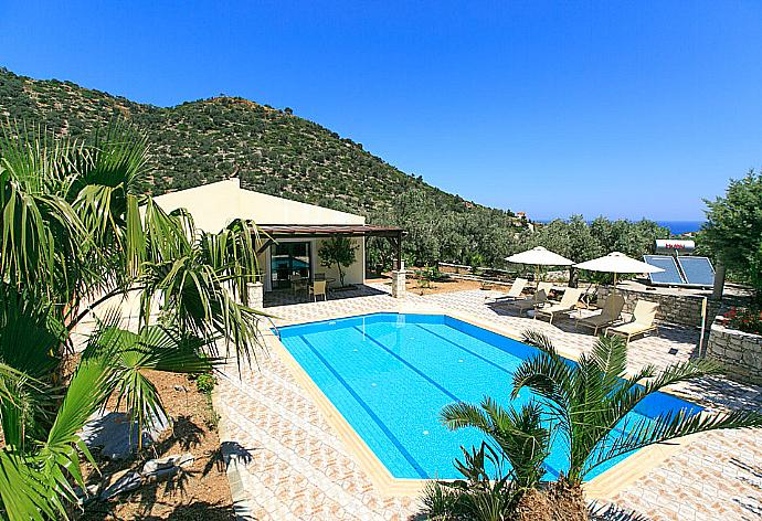 Review for Villa Dimitrios