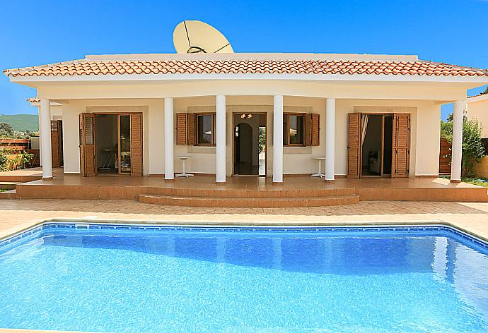 Review for Achilles Beach Villa Thio