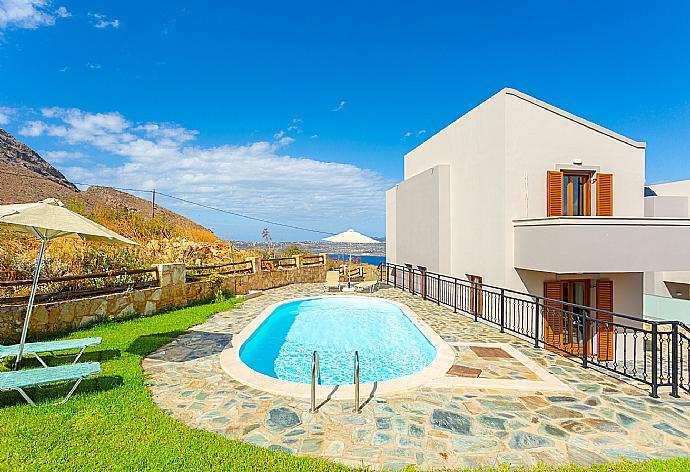 Villa Stratos