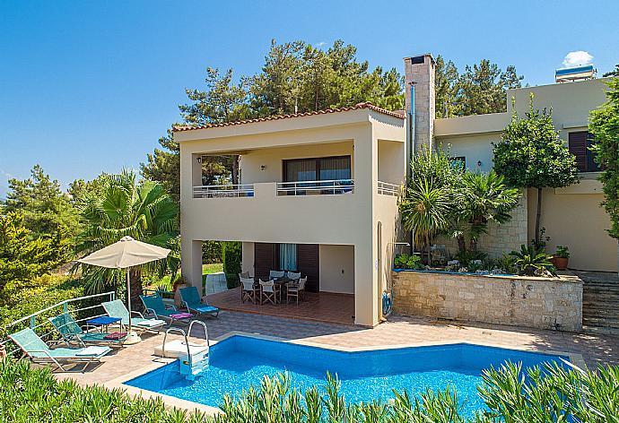 Review for Villa Ilia