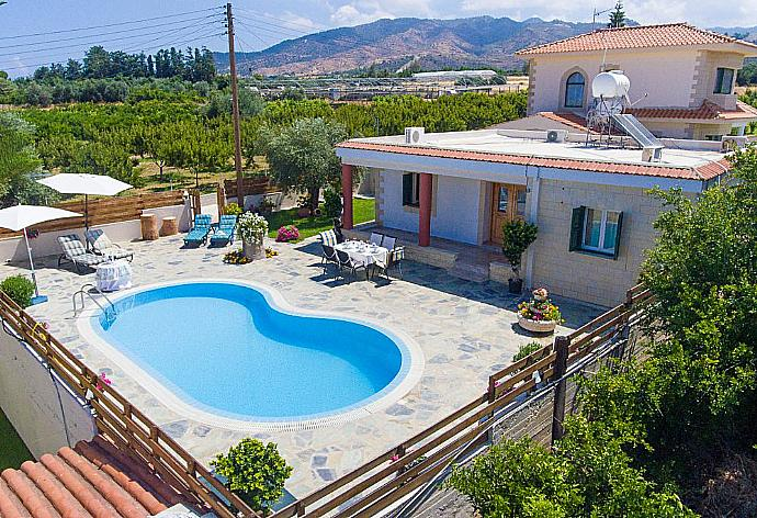Review for Villa Constantinos
