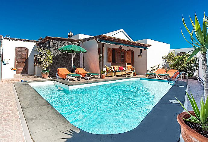 Review for Villa Rosamar
