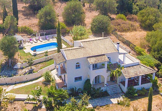 Review for Villa Mavrikia