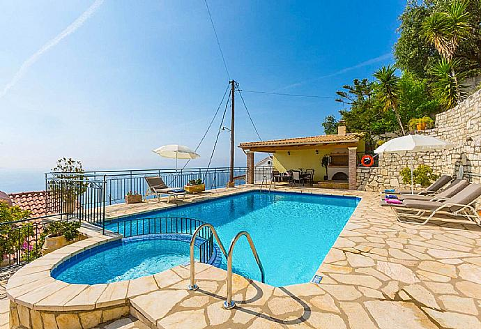 Review for Villa Aris