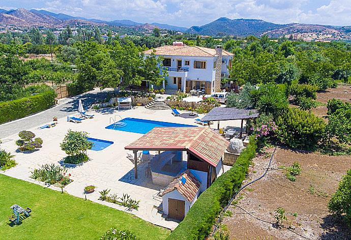 Review for Villa Xenios Dias