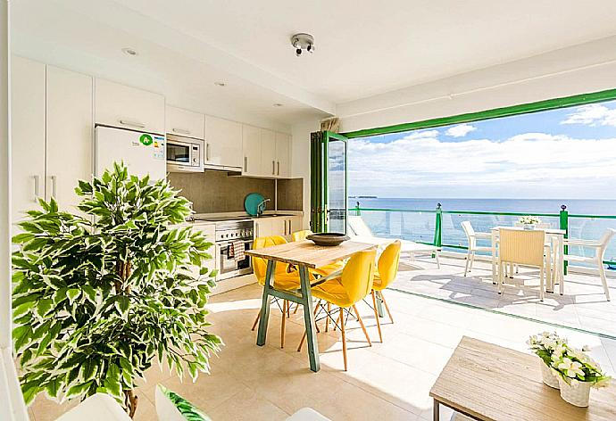 Sea Breeze Apartment
