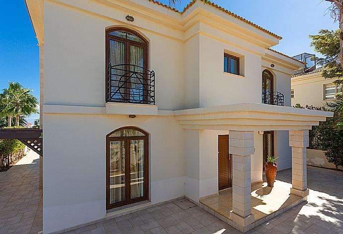 Villa Nemesis
