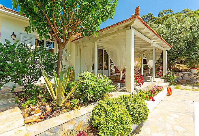 Villa Tassoula