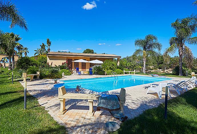 Villa Selinunte Garden