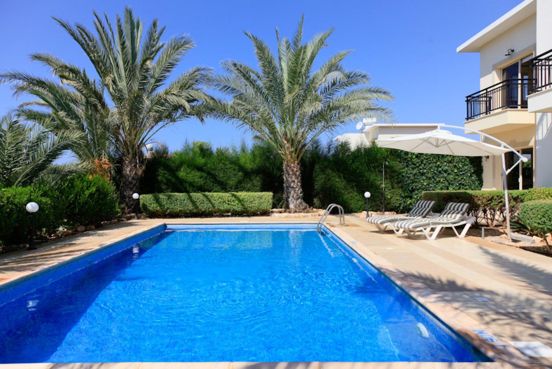 Villa Valia Coral Bay Paphos Cyprus Rentals with  : villa valia23494 from www.agnitravel.com size 1540 x 1030 jpeg 235kB