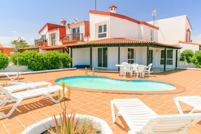Villa remos corralejo fuerteventura rentals with for Villas fuerteventura