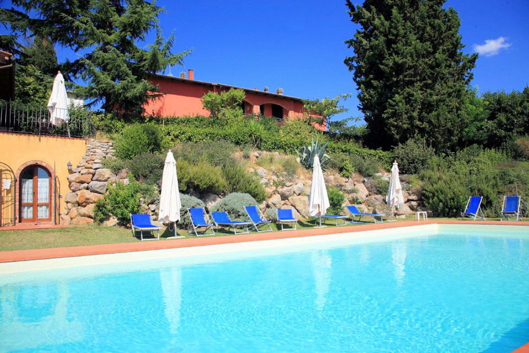 Casa Rossa Tuscany Sleeps 8 Agni Travel Villas